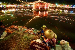 Thai Floating Market photo by drburtoni